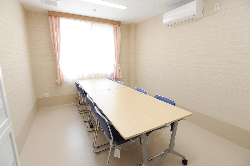 部屋の仕切りをはずし、行事等を楽しむことのできる広いスペースとなります